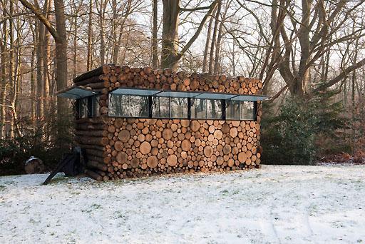 Cabane en rondins de bois