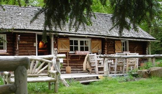 Authentique cabane de trappeur à Rambouillet.