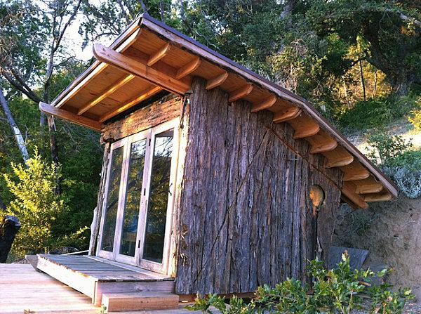 Des abris de jardin originaux pas seulement pour les for Prix cabanon en bois